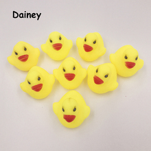 1Pcs Mini Color New Born Babies Swiming Bath Floating Children Squeeze-Sounding Dabbling Ducks Classic Toys 3.5cm*3.8cm MYT01(China)