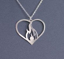 1pcs Flaming Heart necklace For its wearer it might symbolize passion, burning love,girl jewelry gift