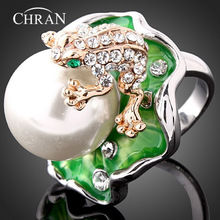 Free Shipping Zinc Alloy Rhodium Plated Enamel Jewelry Promotion Fashion Crystal Faux Pearl Frog Design Finger Rings For Women(China)