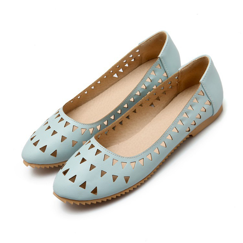 2017 Woman Flats New Fashion Laser Cut-outs Round Toe Comfortable Solid Slip-on Women Shoes Plus Size 32-47<br><br>Aliexpress