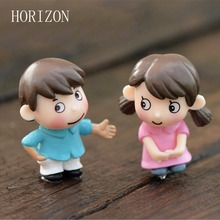 2Pcs Sweety Lovers Couple Figurines Miniatures Fairy Garden Gnome Moss Terrariums Resin Crafts Decoration accessories