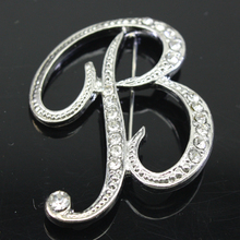fashion 26 charm initial letter brooch crystal pins and brooches letter c n l y broches women Jewelry accessories be