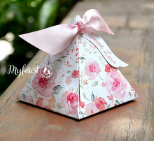 50pcs Pink watercolors Wedding Favors Flower Candy Boxes with ribbon cards Beautiful two side print Triangular chocolate Box