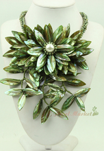 N14110711 green MOP shell FW pearl flower statement necklace