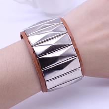 2017 New Arrival Fashion Korea Personality Rivets 4 Colors Leather Bracelets & Bangles Feminina Wholesale Free Shipping