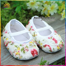 Sunshine store #2X0088 3 pair/lot (white)Baby girls shoes rose shabby flower!antiskid prewalker Ballerina Soft Kids First Walker(China)