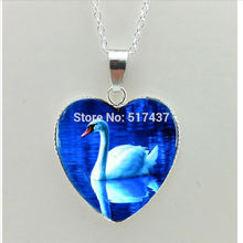 2017 New White Swan Heart Pendant Swan Necklace Swan Heart Jewelry Murano Glass Heart Necklace