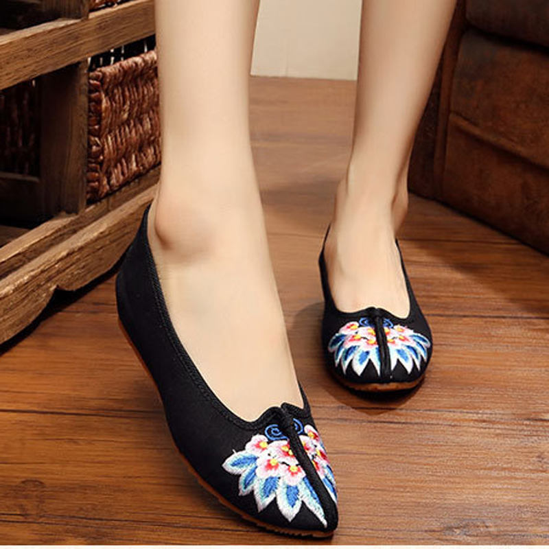 New Design summer sexy flower embroidery fashion women flats shoes Vintage ladies casual shoes simple canvas shoes<br><br>Aliexpress