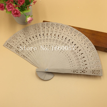80pcs Wedding Favor Gift Personalized Sandalwood Cutout Fans Star and Moon Wood Color Hand Folding Fans +Customized Engraved(China)
