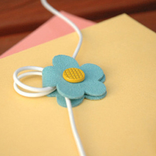 High Quality Practical Daisy Button Earphone Cable Wire Organizer for MP3 MP4 Phone Mouse Computers Random Color