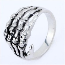 2017 New Cool Alloy Silver Men's Punk Skull Head Finger Rings Jewelry Male's Accessory Fashion Hot Selling