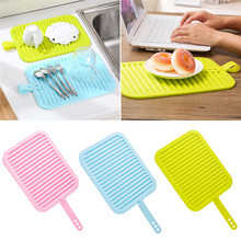 2016 Creative soft silicone tableware mat anti slip heat resistant kitchen pad dish coaster foldable with handle