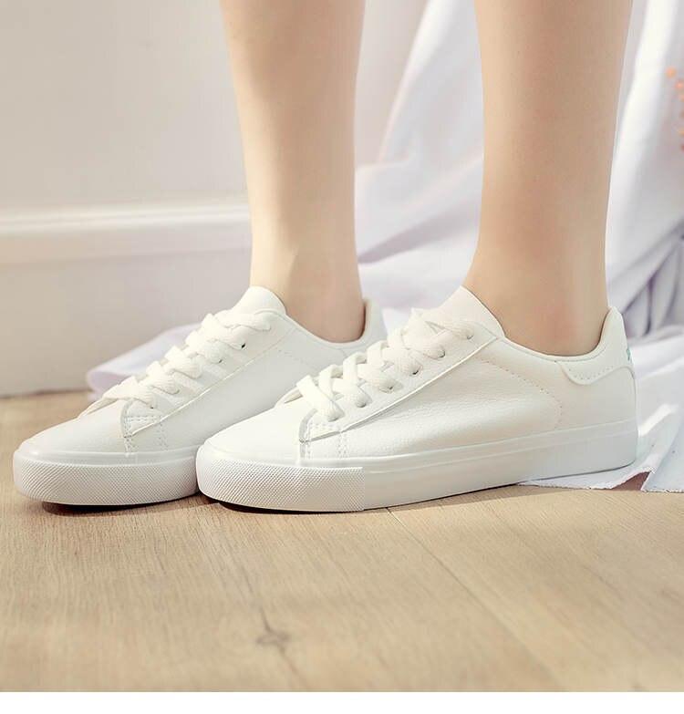 حذاء نساء لون ابيض 15
