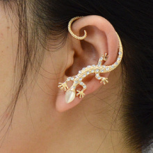 LM-C224  Factory direct jewelry animal lizard lizard Czech Crystal stud earrings ear hook wholesale alloy plating