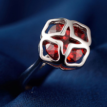 LIAMTING Red Shinny CZ Crystal 925 Sterling Silver Rings Special Shape Design Decoration Nice Women Engagement Accesories VB098