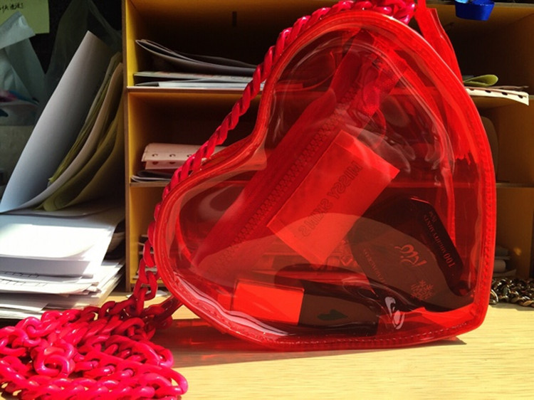 2017 new arrival personalized pvc clear red heart bag transparent chain handbag<br><br>Aliexpress