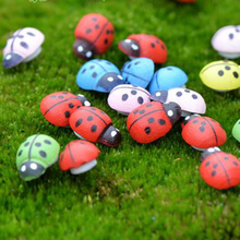 High Quality 10pcs DIY Crafts Scrapbooking Beads Painted Wood Ladybug Craft Ornaments For Micro Landscape 8x11mm Mixed Color