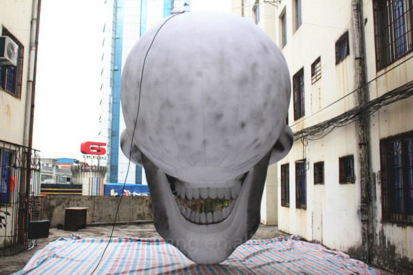 inflatable skull (1)