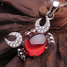 925 Sterling Silver Garnet Necklace Pendant crab Korean fashion accessories wholesale first clavicle(China)