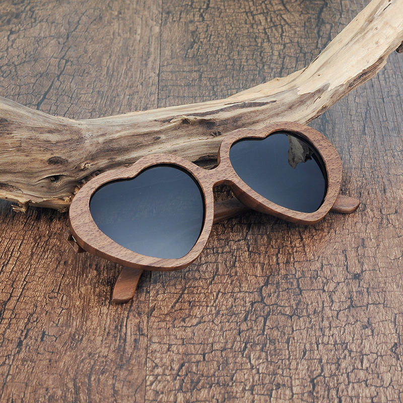 Heart Design Wooden Sunglasses (25)