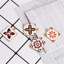 Homemade DIY jewelry accessories, drop oil alloy pendant, pendant national wind irregular pattern flowers