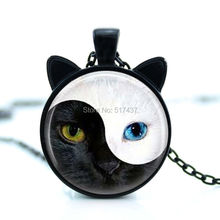 CN-00837 2017 New YIN YANG Cat Necklace Cat Face Pendant Jewelry Cat Ear Pendant Round Glass Necklace HZ2
