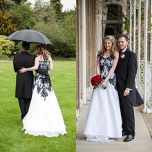 Vintage 2016 Country Style White and Black Wedding Dresses V Neck Tulle Floor Length Lace-up Gothic Bridal Gowns Custom Made