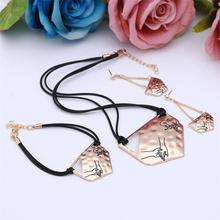 Special Geometry Design Pendant Accessory Fro Women Hold Hands Lover's Perfect Jewelry Set On Party Rope Chain Necklace Set