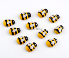 Free shipping-100pcs Painted Beads Wooden Bees Ladybug Beads Stickers Easter Wood Craft Scrapbooking Ornament 19x14mm D3051(China)