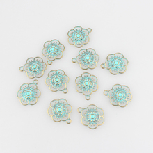 2016 New 30pcs/lot 17MM Round Retro Verdigris Patina Plated Zinc Alloy Green Flowers Charms Pendants For DIY Jewelry Accessories