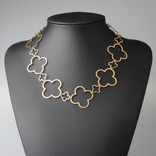 High Quality Golden Hollow Out Design Jewelry Fashion Metal Flower Clover Necklace For Women Date And Party