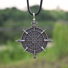 Viking Vegvisir Compass Protection Symbol Guidepost Direction Sign Pendant Necklace Viking SanLan Jewelry(China)