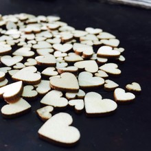 100 pcs Lovely Mixed Rustic Wooden Love Heart Wedding Table Scatter Decoration Craft Accessories New
