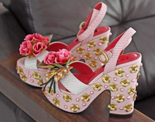 Newest women catwalk shoes platform studded sandals chunky heels ladies thick heel bridal shoes gold rose flowers pink sandal