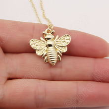 30pcs Small or Large Bee Necklace Honey Bee Hive Charm Delicate Animal Necklaces & Pendants Choker Women Christmas Gift