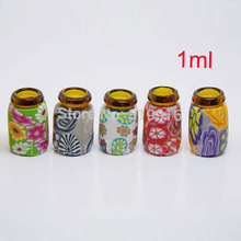 50pc X 1ml Mini Ceramic glass Bottle without string Refillable Perfume Necklace Essential Oil Glass Bottle with Wood Stopper