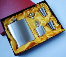 Discount !!!Retail & wholesales 7oz stainless steel hip flask gift set,,pocket flask  , liquor flask,father's day gift