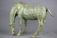 China antique bronze horse statue, vivid horse drinking water statue