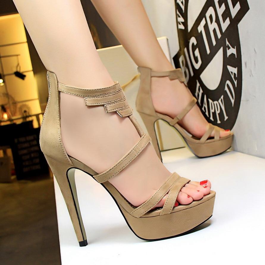 Женские ножки на сексуальных босоножках фото смотреть онлайн фото 175-34