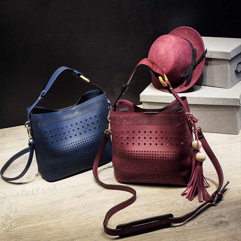 2017 Fashion Hollow Tassel Bag Women Bucket Bag PU Handbag Women Bag Totes Lady Crossbody Bag<br>
