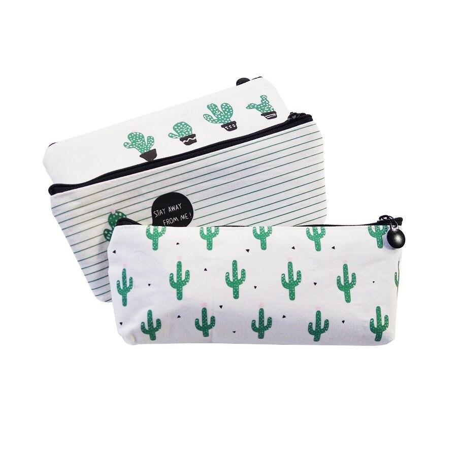 Valged pinalid kaktustega