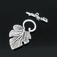 "DoreenBeads Zinc metal alloy Toggle Clasps Leaf Antique Silver Leaf Pattern 37mm x23mm(1 4/8""x7/8"")25mm x8mm(1""x3/8""),3 Sets"