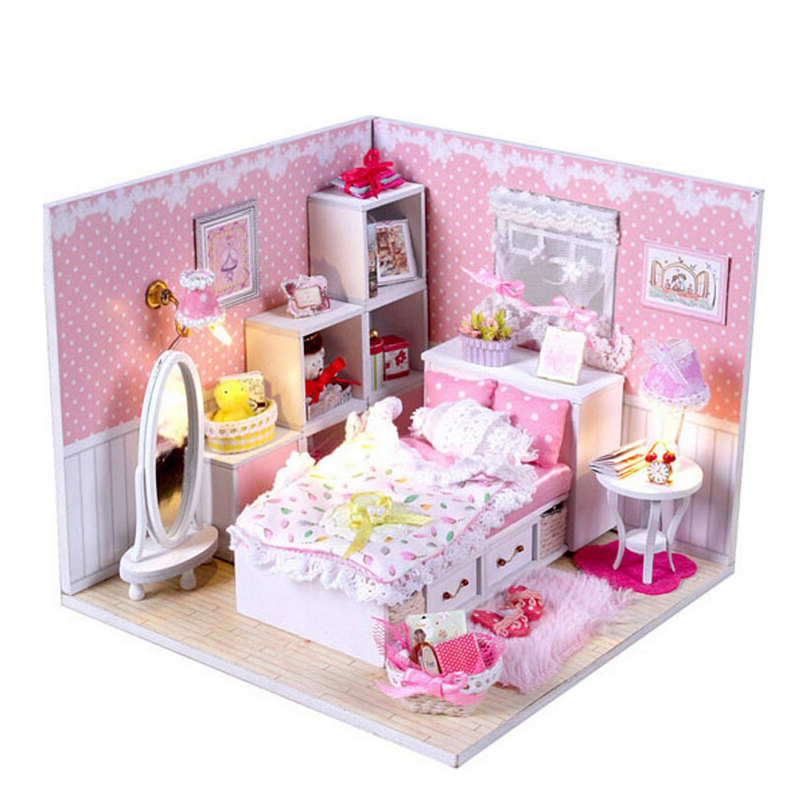 2015 Christmas Gift Girl Assembled Dollhouses Dream Pink  Handmade DIY House Doll Wood<br><br>Aliexpress