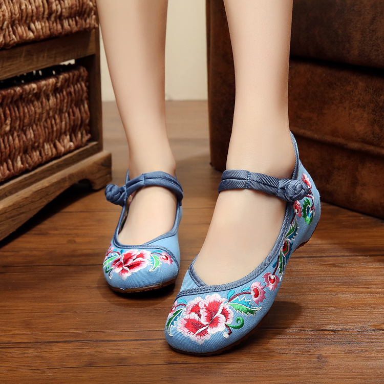 New design beautiful flowers embroidered flats shoes women casual soft fashion ladies canvas shoes sapato feminino<br><br>Aliexpress