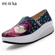 MINIKA 2017 Flower Sweet Women Flats Ladies Breathable Driving Shoes Platform Casual Women Flat Shoes Fashion Loafers SNE-763(China)