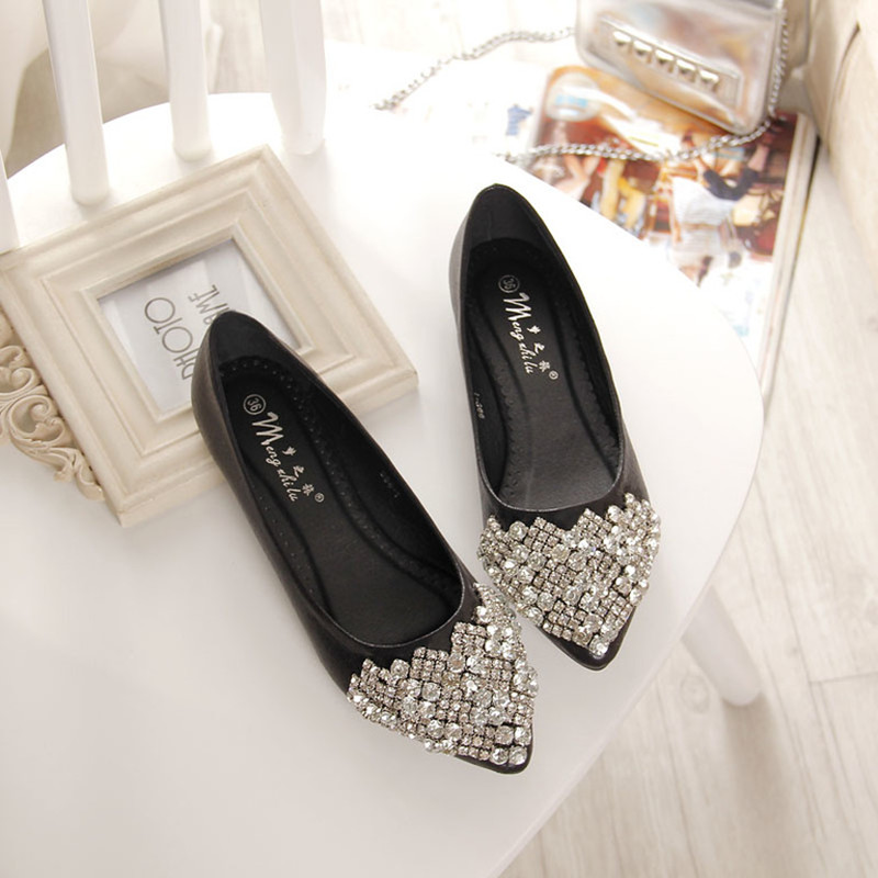 NEW Fashion 2016 Flats Shoes Women Ballet Princess Shoes For Casual Crystal Boat Shoes Rhinestone Women Flats PLUS Size<br><br>Aliexpress