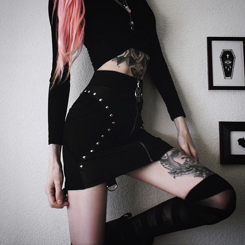 PU Leather Short Skirt Women Fashion 2018 Bodycon Black Sexy Mini Skirt Rivet Streetwear High Waist Bodycon Pencil Solid Skirts