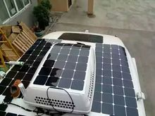 Sale hot solar panel 100w 12v;  mono solar cell 125*125mm installed on top of the car