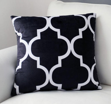 Quatrefoil Lantern Velvet Cushion Cover Black White Geometric Throw Pillow Case Soft Modern Chic Car Seat Sofa Home Decor 45x45(China)