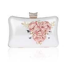 Japan Korean Style Women Evening Bags Gorgeous Flower Pearls Cosmetic Bag  Noble Elegant Lady Crystal Bridal Wedding Party Bag ab9d9a69e728